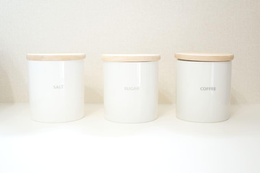陶器のキャニスター