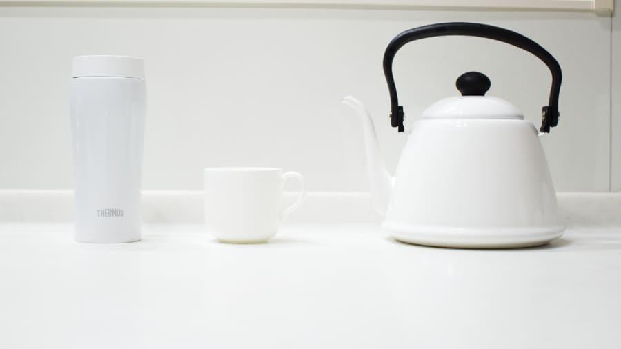 白で統一されたコーヒー器具